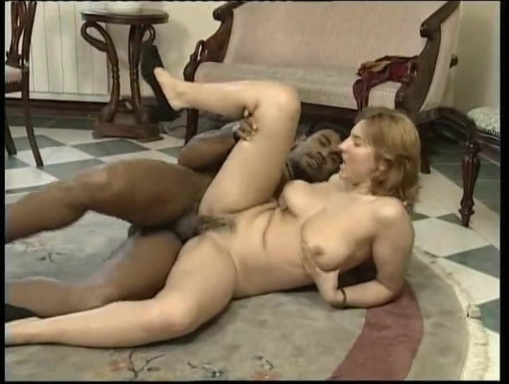 Real Amateur Cuckold Threesome
