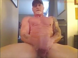 Mature muscle daddy webcam 2...