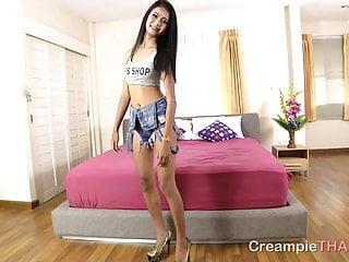 Thai street girl sex clips