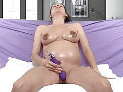 Pregnant girl solo oiling and masturbation