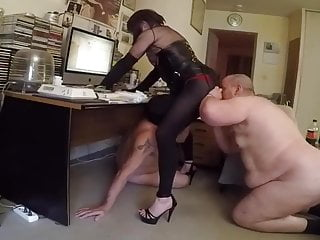 Kinky licking and dildo