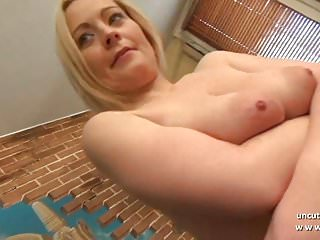 Gorgeous amateur french mom hard analyzed with mouth...