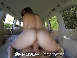 HD POVD Holly Michaels scopata nel retro della macchina pov