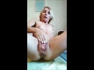 Amateur Squirting Fingering video: Prolapse Slut Playing with Her Rosebud