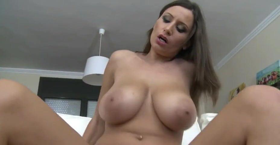 Huge Natural Tits Cam Girl
