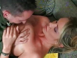MILF luring the pizza boy