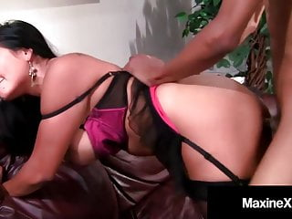 Asian mommy in butthole cock...