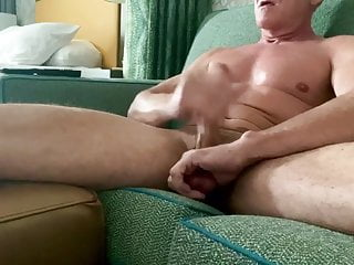 سکس گی Solo Male muscle  masturbation  hunk  hd videos american (gay) amateur