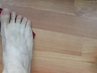 Master's verbal instructions to worship his feet and bulge