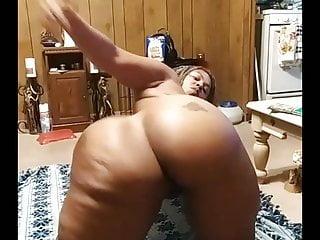 Floor twerking