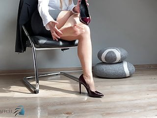 secretary's feet in pantyhose & high heels - business-bitch