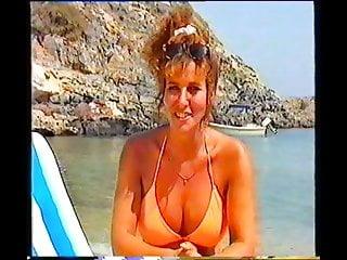 Linda lusardi nice bikini...