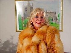 Victoria fur coat
