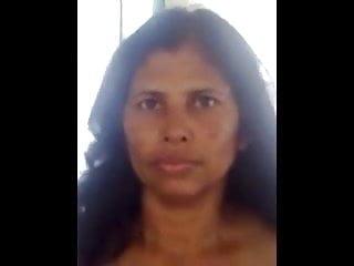 Sri Lankan MILF aunty Dresses Up after Fuck