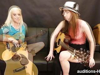 Guitar Practice si trasforma in porno