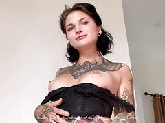 Cumming from pussy slaps and anal plug