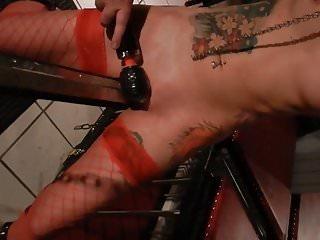 Drecksau Zhi - Heftiger Orgasmus auf dem Spanischen Reiter
