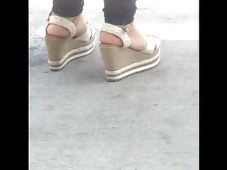 Candid feet heels plataform beauty milf