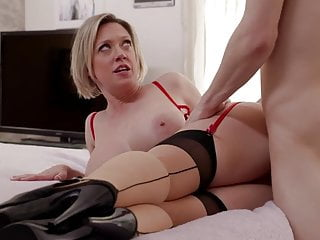 Sexy Stepmom In Lingerie Dee Wiliams Gets Ramed A Big cock