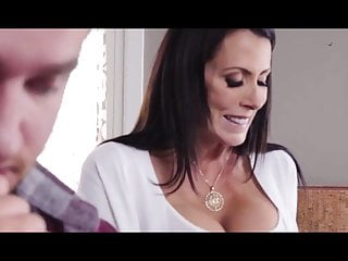 Naughty bitch gets anal creampie hardly secret !