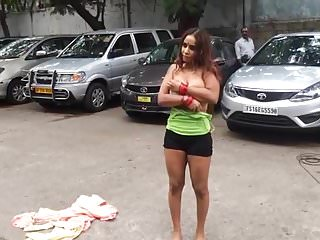 Actress getting public 2...