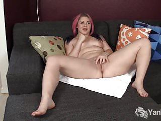 Sexy BBW Sarah si masturba