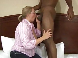 Chubby wife get fucked by bbc...