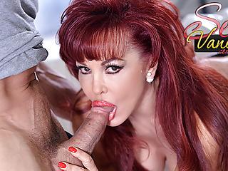 Rossa matura Sexy Vanessa ama il suo grosso cazzo