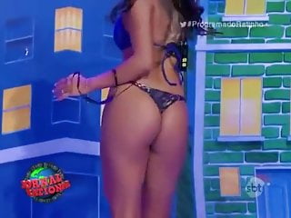 executiva tira a roupa no programa do ratinho - sbtHD Sex Videos