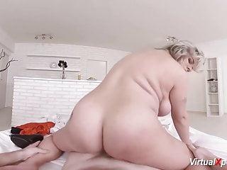 pregant milf riding big cock