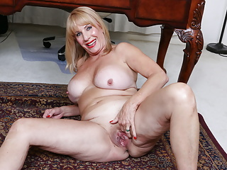 Busty old granny shows how it 039 s...