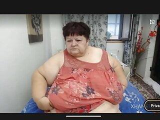 Bbw granny flash shaved pussy