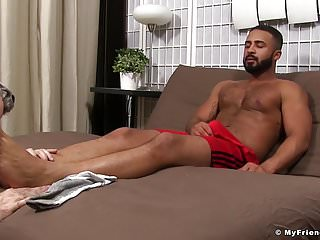 Arab hunk damian taylor enjoys a feet worshipping...