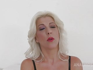 In need of sex Milf secures all her Holes stuffed by a big black cock !!!