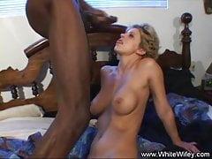 Dp Ass-fuck Threesome With 2 Ebony Boner Deep Inwards Light-haired Pussy
