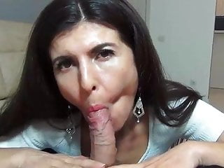 she shows Blows Mom Best