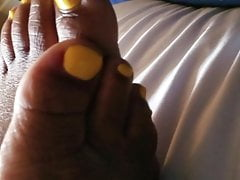 Yellow Ebony Toes