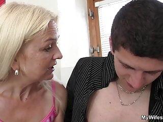 Hairy-pussy girlfriends step mom seduces boy into taboo sex