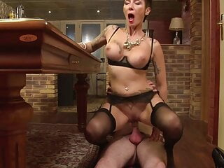Matures suck and fuck lucky dudes