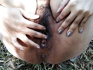 desi indian milf pussy fingering and squirting in the woods
