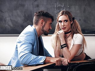 Driving Student Can't Contain Herself, Fucks With Teammate