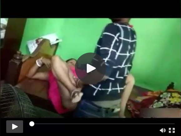 भारतीय लड़के द्वारा गड़बड़ चाची से शादी की