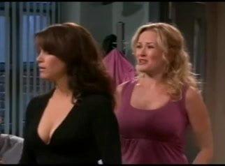 Taylor boobs jennifer Jennifer Taylor
