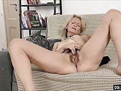 Lustful deaf-mute Russian grandma Diana... 2