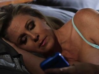 Sexy milf julia vs hot young babe aidra...