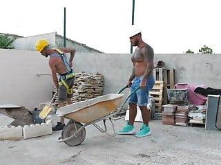 Builder's Revenge – Viktor Rom, David Pool & Axel Max