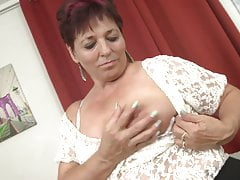 chubby mature feeding hairy vaginafree full porn