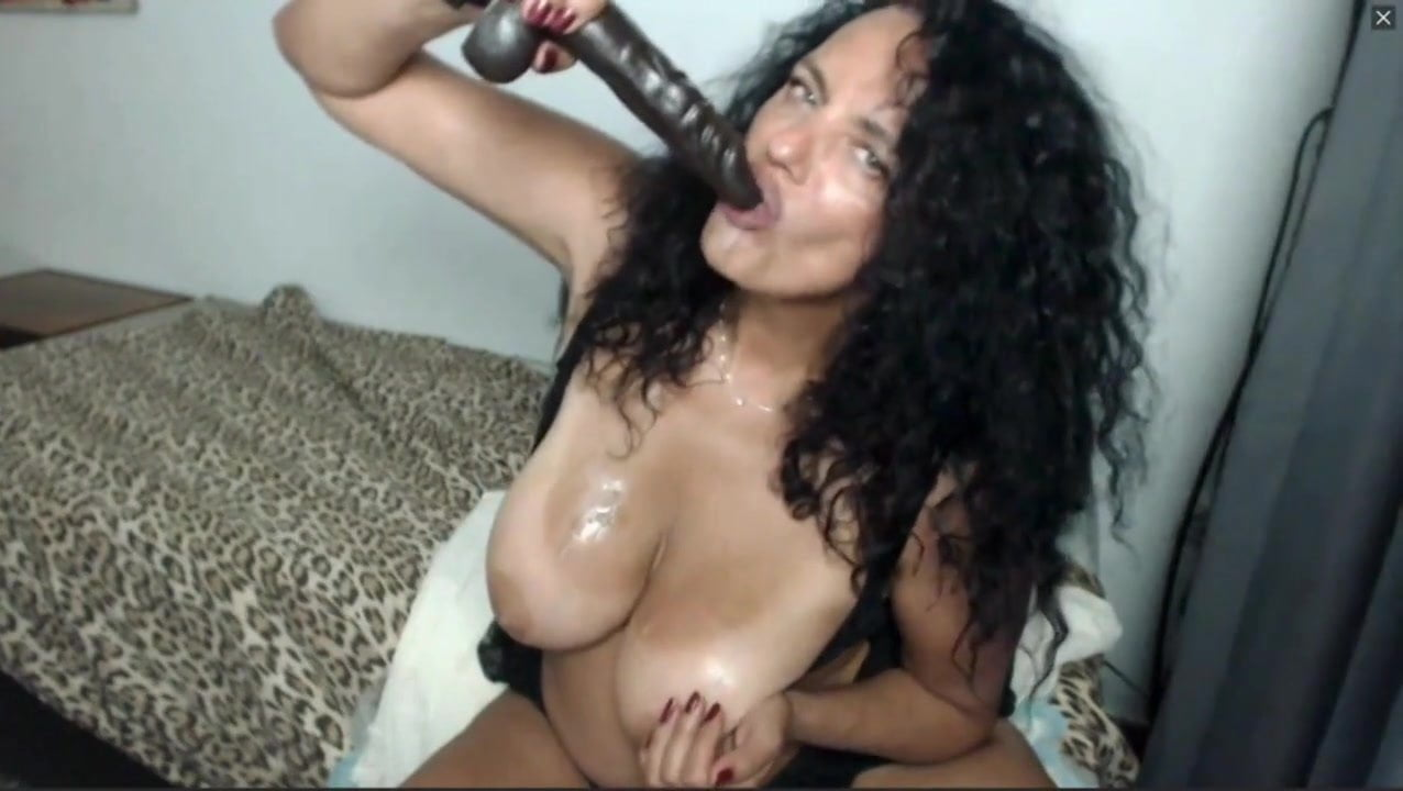 Latina Riding Dildo Webcam