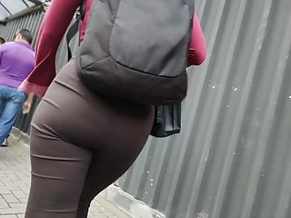 Tremendous ass secretary once more together with her brown solid pants candid