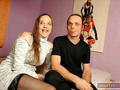 Hartz4 Couple zeigt Pornoproduzent wie richtig gebumst wird